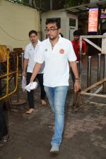 Puneri Paltan visits Siddhivinayak Temple, Mumbai on July 20, 2016 (23)_578fb35b56009.JPG