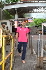 Puneri Paltan visits Siddhivinayak Temple, Mumbai on July 20, 2016 (29)_578fb233a21f3.JPG