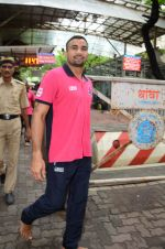 Puneri Paltan visits Siddhivinayak Temple, Mumbai on July 20, 2016 (3)_578fb24ee28c9.JPG