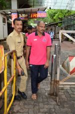 Puneri Paltan visits Siddhivinayak Temple, Mumbai on July 20, 2016 (4)_578fb255ed666.JPG
