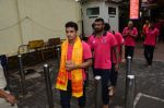Puneri Paltan visits Siddhivinayak Temple, Mumbai on July 20, 2016 (7)_578fb2659ac7c.JPG