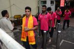 Puneri Paltan visits Siddhivinayak Temple, Mumbai on July 20, 2016 (8)_578fb2695914d.JPG