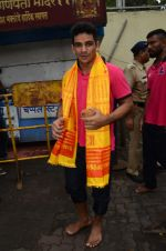 Puneri Paltan visits Siddhivinayak Temple, Mumbai on July 20, 2016 (9)_578fb26d0a4f8.JPG
