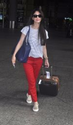 Sandeepa Dhar spotted at the airport on July 20, 2016 (2)_578fb46fe1043.JPG