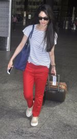 Sandeepa Dhar spotted at the airport on July 20, 2016 (3)_578fb471480e4.JPG