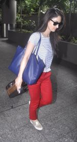 Sandeepa Dhar spotted at the airport on July 20, 2016 (4)_578fb47294aed.JPG