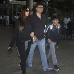 Sonali Bendre with Goldie and Ranveer Behl snapped at airport on July 20, 2016 (1)_578fae3a79843.JPG