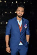 at A Flying Jatt film promotions on the sets of Dance Plus Season 2 on 19th July 2016 (153)_578f17d41dd7d.JPG
