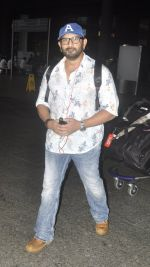 Arshad Warsi snapped at airport on 20th July 2016 (4)_579043f0c2fcc.JPG