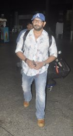 Arshad Warsi snapped at airport on 20th July 2016 (5)_579043f18828b.JPG