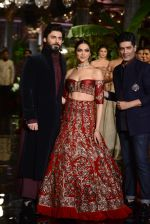 Deepika Padukone, Manish Malhotra, Fawad Khan during the FDCI India Couture Week 2016 at the Taj Palace on July 21, 2016 (6)_57903de0cc9c2.JPG