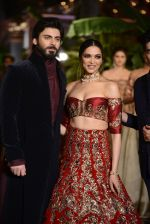 Fawad Khan, Deepika Padukone during the FDCI India Couture Week 2016 at the Taj Palace on July 21, 2016 (5)_57903df15c28b.JPG