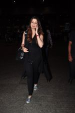 Raai Laxmi snapped at airport on 20th July 2016 (3)_579043d1031ab.JPG