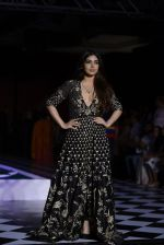 Bhumi Pednekar walk the ramp for Anita Dongre show at the FDCI India Couture Week 2016 on 21st July 2016 (308)_5791a5b4e9a47.JPG