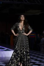 Bhumi Pednekar walk the ramp for Anita Dongre show at the FDCI India Couture Week 2016 on 21st July 2016 (309)_5791a5b5b7f94.JPG