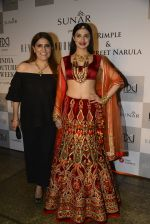 Divya Khosla Walks For Reynu Taandon at the FDCI India Couture Week 2016 (45)_57922c2651c9f.JPG