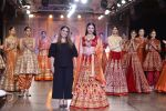Divya Khosla Walks For Reynu Taandon at the FDCI India Couture Week 2016 (16)_57922c0e7d071.JPG