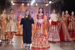 Divya Khosla Walks For Reynu Taandon at the FDCI India Couture Week 2016 (18)_57922c10c4d23.JPG