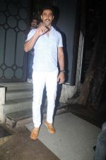 Kunal Kapoor snapped at Nido on 21st July 2016 (50)_5791d6c7027b2.JPG