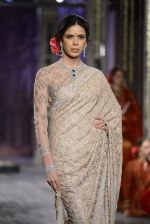 Model walk the ramp for Tarun Tahiliani show at the FDCI India Couture Week 2016 on 21st July 2016 (130)_5791a7cc905dd.JPG