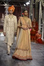 Model walk the ramp for Tarun Tahiliani show at the FDCI India Couture Week 2016 on 21st July 2016 (167)_5791a7e90e3dc.JPG