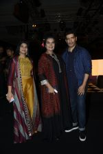 Shabana Azmi, Manish Malhotra walk the ramp for Anita Dongre show at the FDCI India Couture Week 2016 on 21st July 2016 (272)_5791a5e5f0b90.JPG