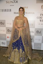 Yami Gautam walks the ramp for Rimple and Harpreet Narula at the FDCI India Couture Week 2016 on 22 July 2016 (19)_57922e93a5ca8.JPG
