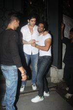 Zayed Khan, Upen Patel snapped at Nido on 21st July 2016 (22)_5791d6c718a3d.JPG