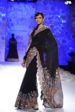 Rahul Mishra showcases Monsoon Diaries at the FDCI India Couture Week 2016 in Taj Palace on 22 July 2016 (57)_5792f96105a8a.JPG