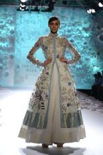 Rahul Mishra showcases Monsoon Diaries at the FDCI India Couture Week 2016 in Taj Palace on 22 July 2016 (64)_5792f9665555b.JPG