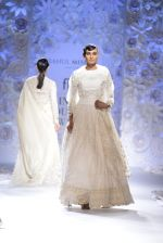 Rahul Mishra showcases Monsoon Diaries at the FDCI India Couture Week 2016 in Taj Palace on 22 July 2016 (88)_5792f975db534.JPG