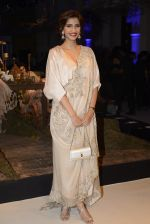 Sonam Kapoor during Anamika Khanna showcase When Time Stood Still at the FDCI India Couture Week 2016 on 22 July 2016 (13)_57932333d068d.JPG