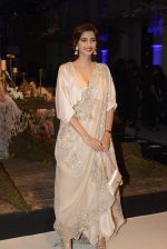 Sonam Kapoor during Anamika Khanna showcase When Time Stood Still at the FDCI India Couture Week 2016 on 22 July 2016 (4)_5793232c69c63.JPG