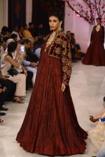 Models walk the ramp displaying Rohit Bal_s latest collection Kehkashaan at the India Couture Week 2016 on July 24, 2016 (128)_57962257dcee4.JPG