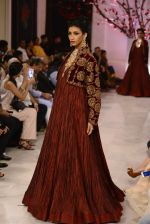 Models walk the ramp displaying Rohit Bal_s latest collection Kehkashaan at the India Couture Week 2016 on July 24, 2016 (129)_57962258a3988.JPG