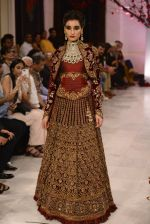 Models walk the ramp displaying Rohit Bal_s latest collection Kehkashaan at the India Couture Week 2016 on July 24, 2016 (137)_5796225f5e0fa.JPG
