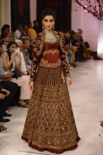 Models walk the ramp displaying Rohit Bal_s latest collection Kehkashaan at the India Couture Week 2016 on July 24, 2016 (138)_579622604926d.JPG