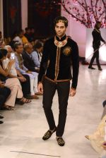 Models walk the ramp displaying Rohit Bal_s latest collection Kehkashaan at the India Couture Week 2016 on July 24, 2016 (50)_57962216a0905.JPG