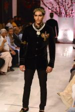 Models walk the ramp displaying Rohit Bal_s latest collection Kehkashaan at the India Couture Week 2016 on July 24, 2016 (52)_57962218b38a1.JPG