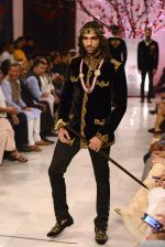 Models walk the ramp displaying Rohit Bal_s latest collection Kehkashaan at the India Couture Week 2016 on July 24, 2016 (55)_5796221b7a87f.JPG