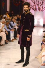 Models walk the ramp displaying Rohit Bal_s latest collection Kehkashaan at the India Couture Week 2016 on July 24, 2016 (63)_5796222217bd4.JPG
