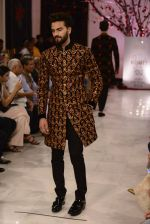 Models walk the ramp displaying Rohit Bal_s latest collection Kehkashaan at the India Couture Week 2016 on July 24, 2016 (71)_5796222980301.JPG