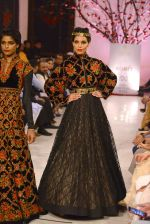 Models walk the ramp displaying Rohit Bal_s latest collection Kehkashaan at the India Couture Week 2016 on July 24, 2016 (76)_5796222d57a6a.JPG