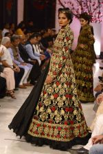 Models walk the ramp displaying Rohit Bal_s latest collection Kehkashaan at the India Couture Week 2016 on July 24, 2016 (86)_579622374249e.JPG