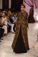 Models walk the ramp displaying Rohit Bal_s latest collection Kehkashaan at the India Couture Week 2016 on July 24, 2016 (93)_5796223d6dca8.JPG