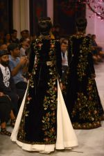 Models walk the ramp displaying Rohit Bal_s latest collection Kehkashaan at the India Couture Week 2016 on July 24, 2016 (19)_579621fb4b767.JPG