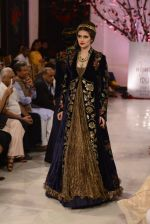 Models walk the ramp displaying Rohit Bal_s latest collection Kehkashaan at the India Couture Week 2016 on July 24, 2016 (30)_579622062ef06.JPG