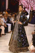 Models walk the ramp displaying Rohit Bal_s latest collection Kehkashaan at the India Couture Week 2016 on July 24, 2016 (35)_5796220b0e5b9.JPG