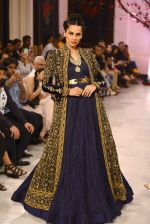 Models walk the ramp displaying Rohit Bal_s latest collection Kehkashaan at the India Couture Week 2016 on July 24, 2016 (40)_5796220f53126.JPG