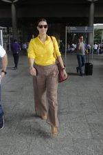 Neha Dhupia snapped at airport on 25th July 2016 (59)_57961cae95045.JPG